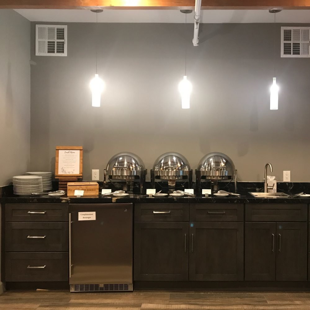 The Syrah Suite's kitchenette/bar area
